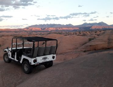 Moab hummer sunset tour