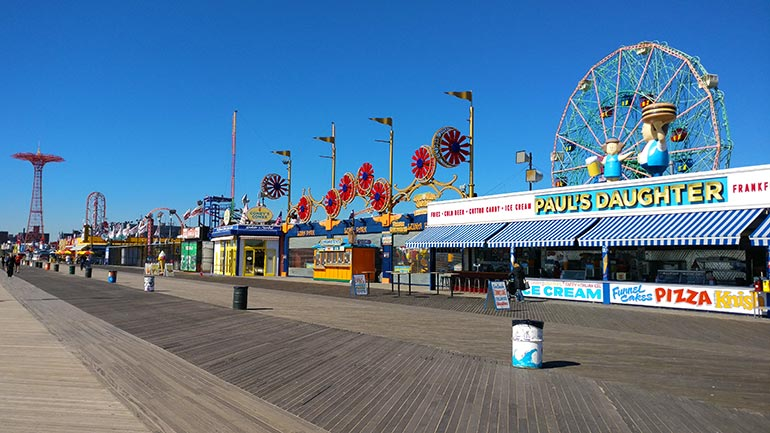 De boardwalk van Coney Island