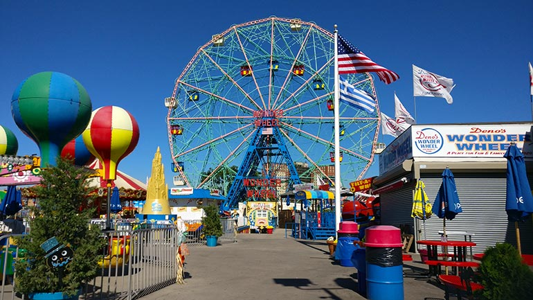 Het pretpark Luna Park in Coney Island