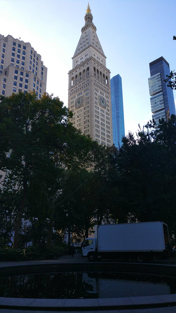 Met Life Tower gezien vanuit Madison Square Park